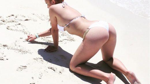 Ariel Winter Bikini la Famosa Gordibuena -desnuda-xxx-fotos-porno-video-playa-sexo-sexy-hot-tetas-vagina-culo-gorda-cachonda (5)