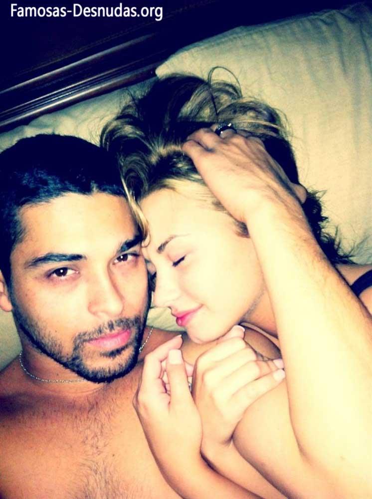Demi Lovato xxx Fotos Hackeadas de su Movil -famosas-desnudas-celebrity-porn-descuidos-cantantes-top-imagenes-celebridades-sin-ropa (10)