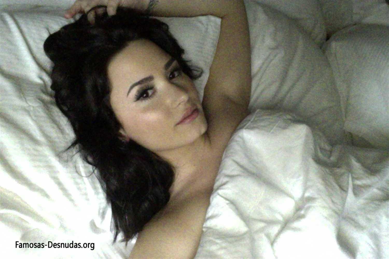 Demi Lovato xxx Fotos Hackeadas de su Movil -famosas-desnudas-celebrity-porn-descuidos-cantantes-top-imagenes-celebridades-sin-ropa (8)