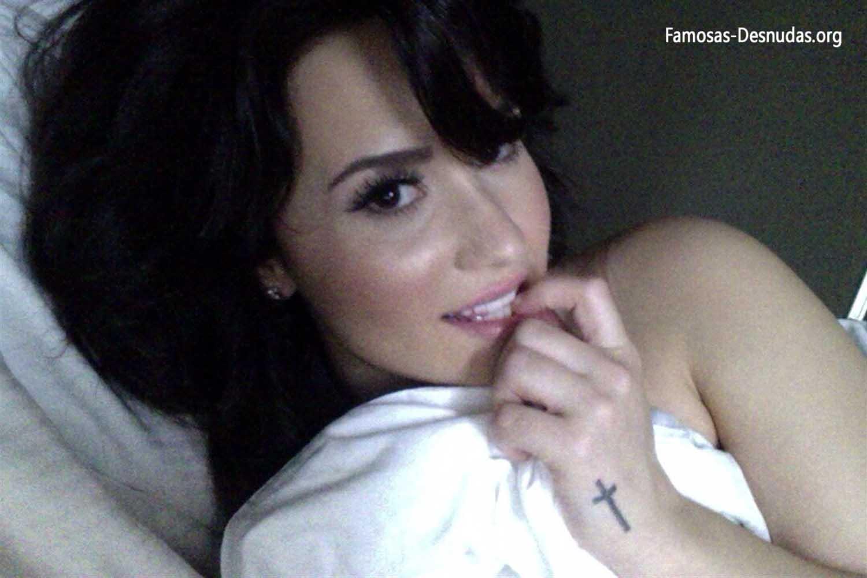Demi Lovato xxx Fotos Hackeadas de su Movil -famosas-desnudas-celebrity-porn-descuidos-cantantes-top-imagenes-celebridades-sin-ropa (9)