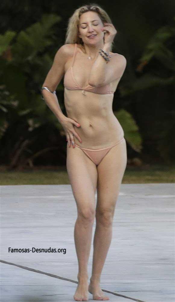 Famosas en Bikini - MARGOT ROBBIE, EMMA ROBERTS Y KATE HUDSON -famosas-desnudas-en-playa-xxx-porno-celebrity-porn-sex-hot-descuidos-tetas-vagina (11)