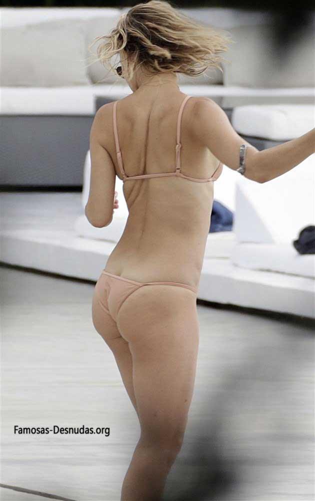 Famosas en Bikini - MARGOT ROBBIE, EMMA ROBERTS Y KATE HUDSON -famosas-desnudas-en-playa-xxx-porno-celebrity-porn-sex-hot-descuidos-tetas-vagina (8)