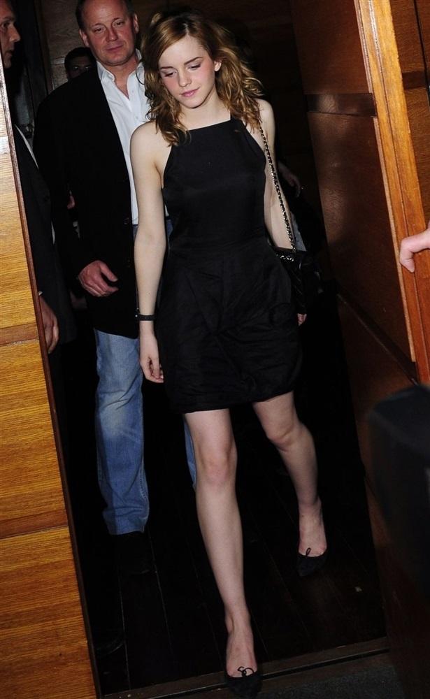 Emma Watson Desnuda Fotos Vagina xxx -famosas-desnudas-harry-potter-sex-nude-photo-video-porn-tetas-panocha-intimas-descuido-upskin (3)