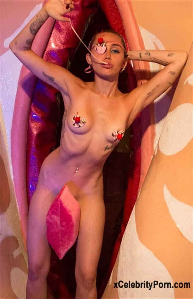 xxx Miley Cyrus Cantante Desnuda -fotos-famosas-hackeadas-filtradas-robadas-porno-celebridades (5)