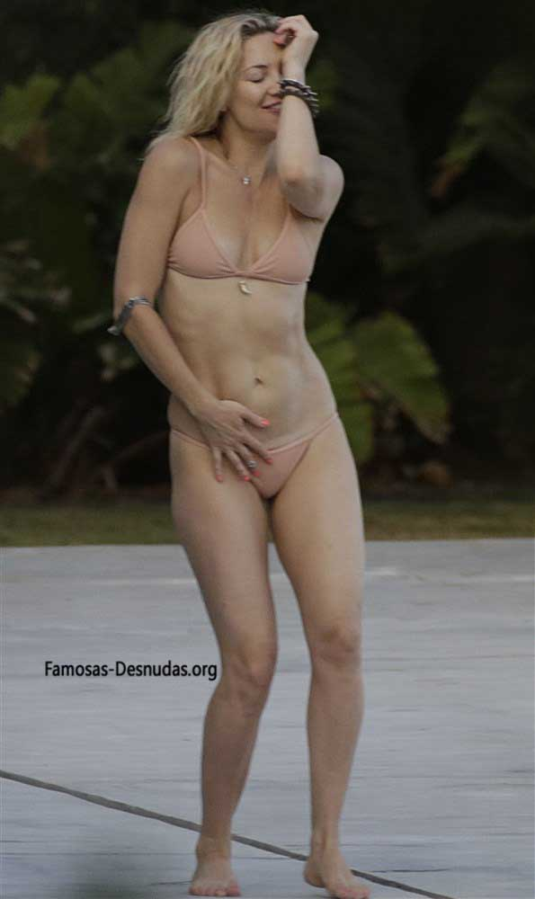 Famosas en Bikini - MARGOT ROBBIE, EMMA ROBERTS Y KATE HUDSON -famosas-desnudas-en-playa-xxx-porno-celebrity-porn-sex-hot-descuidos-tetas-vagina (10)