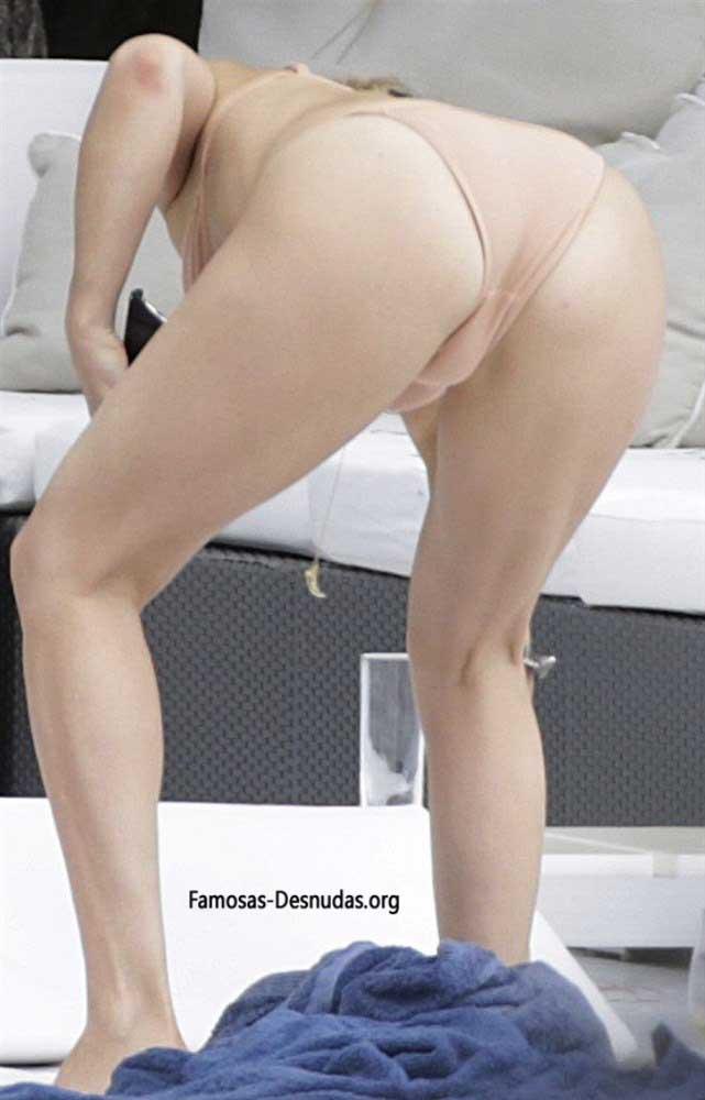 Famosas en Bikini - MARGOT ROBBIE, EMMA ROBERTS Y KATE HUDSON -famosas-desnudas-en-playa-xxx-porno-celebrity-porn-sex-hot-descuidos-tetas-vagina (13)